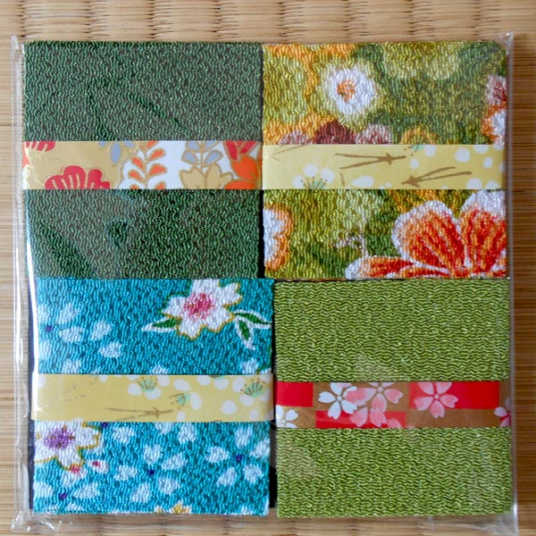 Kanzashi Chirimen-Quadrate 4er-Sets, farblich sortiert / kanzashi set of 4 assorted colours © KIMONO-KIMONO